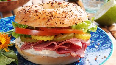 Photo de Bagel au pastrami et crème RedHot® Chilli'n Lime