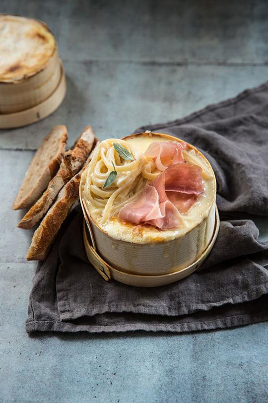 Spaghetti au mont d 39 or et jambon cru aoste a vos - Temps cuisson mont d or ...