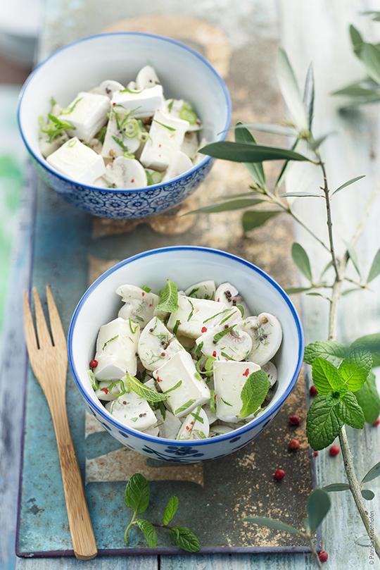 salade champignons et mini caprice a vos assiettes recettes de cuisine illustr es. Black Bedroom Furniture Sets. Home Design Ideas