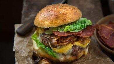 Photo de Burger au Reblochon et chips de jambon cru Aoste