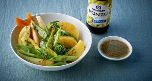 Salade de légumes à la vinaigrette et sauce Ponzu