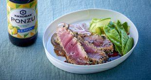 Steaks de thon grillés avec des graines de sésame