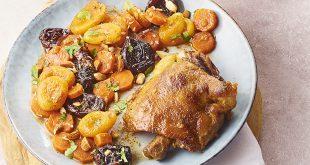Tajine de cuisses de confit de canard Maison Lafitte aux abricots et aux pruneaux