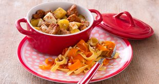 Cassolettes de veau aux pommes et à la féta, poêlée de tagliatelles et de carottes en ribambelle