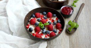 Riz au lait de coco maison et Superfoods (grenade, myrtilles et framboises)