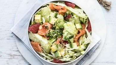 Photo de Salade Iceberg Florette® saumon, pamplemousse, oignons nouveaux et vinaigrette citron-curry