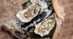 Huîtres pochées dans un jus de pamplemousse de Floride