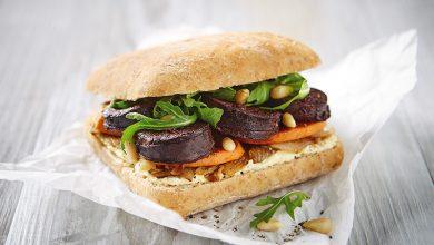 Photo de Burger de boudin noir aux oignons et patates douces grillées