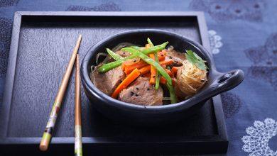 Photo de Wok de porc aux légumes, beurre de gingembre/coriandre