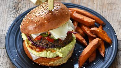 Photo de Burger végétarien aux tranches de brebis Lou Pérac, accompagné de frites de patates douces