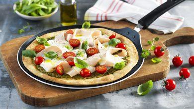 Photo de Pizza poulet, pesto & mozzarella à la Poêle