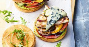 Burger poulet, légumes & Saint Agur®