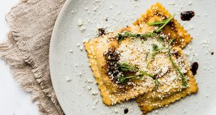 Raviolis de pommes de terre et Fiore Sardo, réduction de vinaigre Casa Maranello Bio