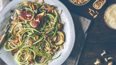 Photo de Spaghettis aux courgettes, champignons et pignons de pin