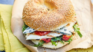 Photo de Bagel au poulet et au Saint Agur®