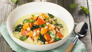 Photo de Curry vert de potimarron, pois chiches, épinards et patate douce