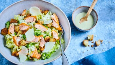 Photo de Caesar Salad à l'effiloché de truite