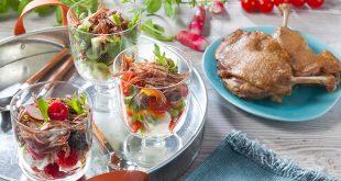Verrines fraîcheur au Confit de canard avec petits légumes et fruits d'été