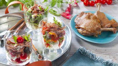 Photo de Verrines fraîcheur au Confit de canard avec petits légumes et fruits d'été