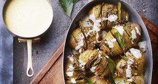 Hasselback potatoes et sauce aux fromages