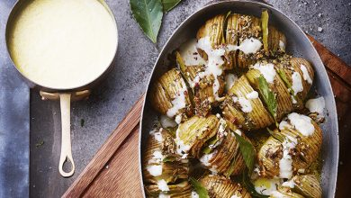 Photo de Hasselback potatoes et sauce aux fromages