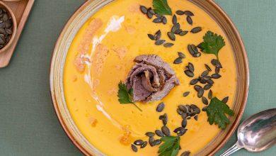 Photo de Crème de butternut et coco, gigot d'agneau Bio confit et graines de courge