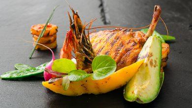 Photo de Pintade exotique mangue avocat et crevettes grillées