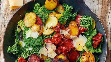 Photo de Poêlée de pommes de terre, chou frisé, chorizo et Sbrinz AOP