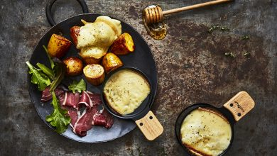 Photo de Raclette revisitée, pommes de terre rôties au miel et magret fumé