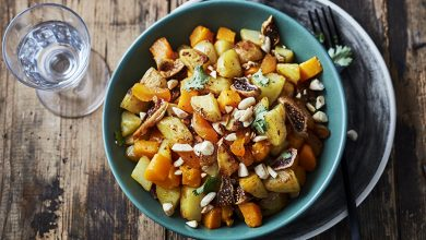 Photo de Wok de pommes de terre, courge butternut et fruits secs