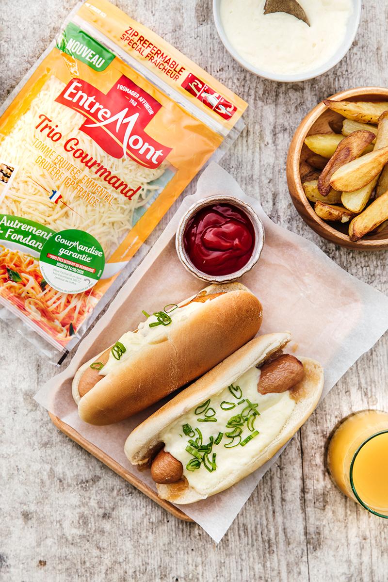 Hot Dog, confit d'oignon crème de Trio Gourmand Entremont