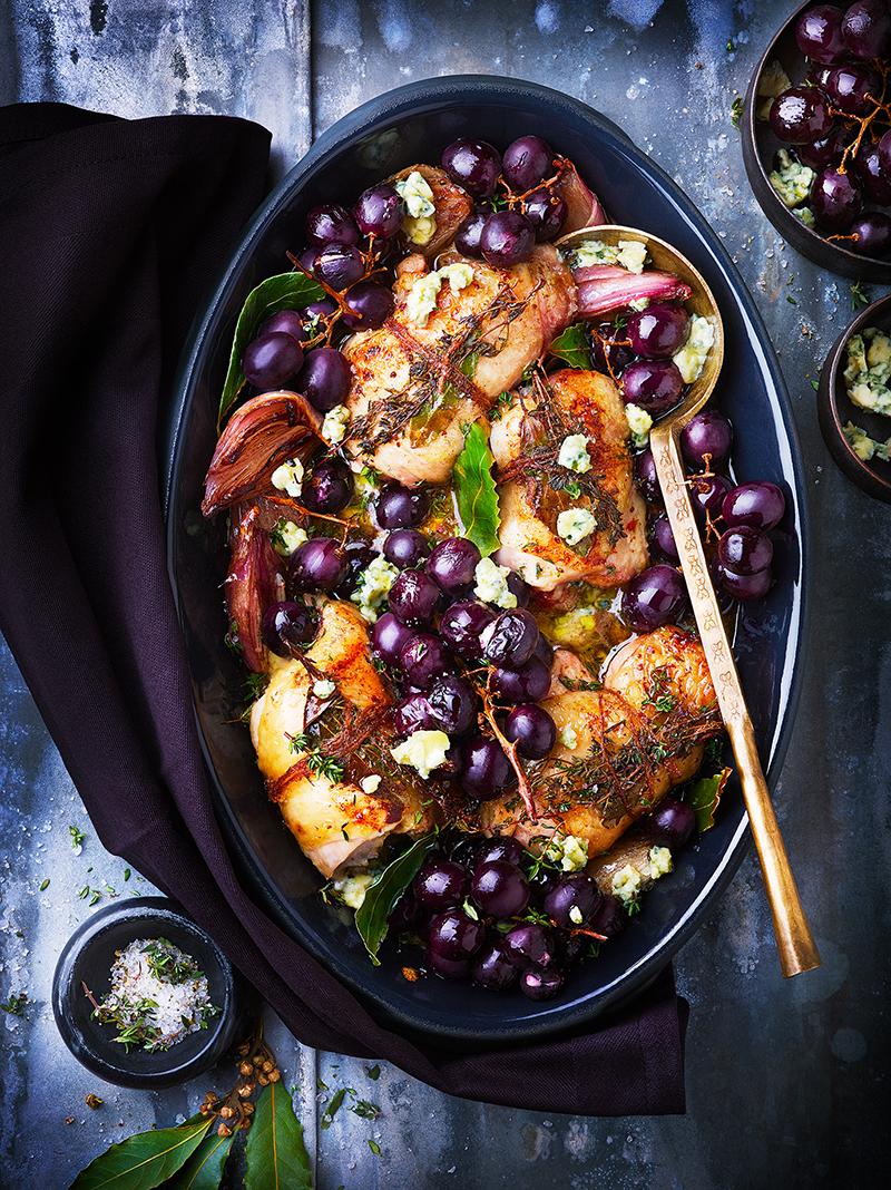 Paupiettes de poulet bleu d'Auvergne raisins rouges