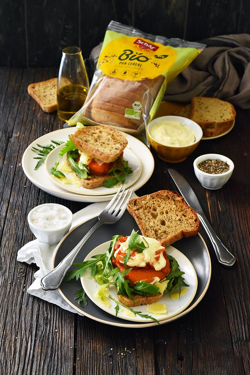 Sandwich sans gluten, patate douce, cheddar mayonnaise vegan