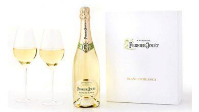 """Photo de Coffret Noël Champagne Blanc de blancs """"Perrier-Jouët"""" cuvée 2017"""